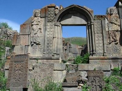 13 monastero-medievale-armenia.jpg