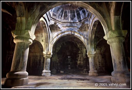 17 interno chiesa armena.jpg